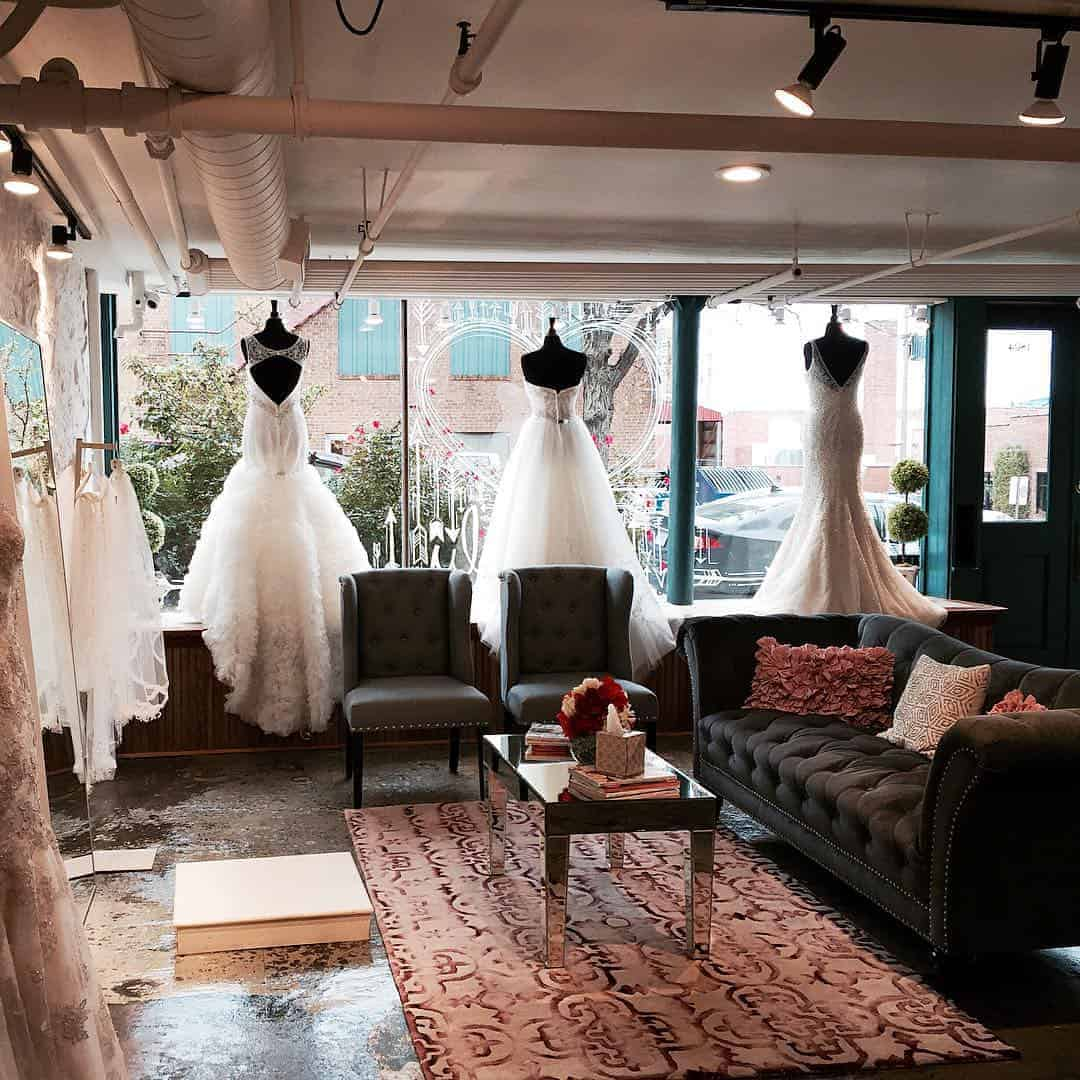 savvy bridal is now hiring a part time bridal consultant