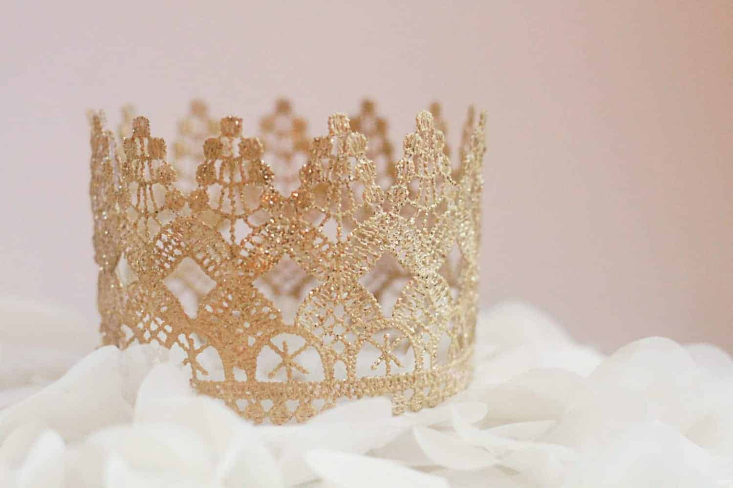 Crown Cake Toppers-Trend Alert-Get The Look