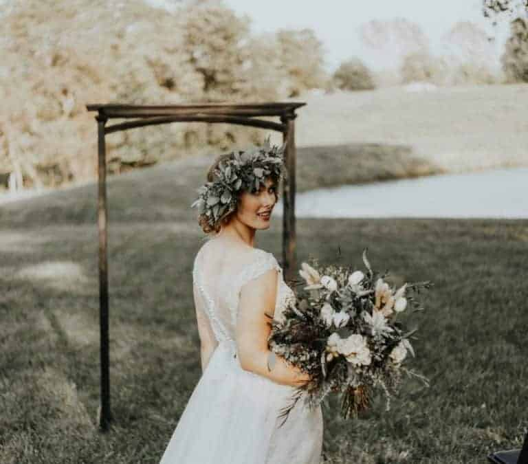 Tobacco Barn Farm Styled Shoot: Rustic and Elegant
