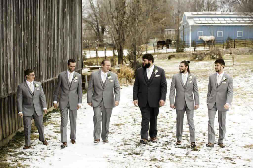 groom with-groomsmen
