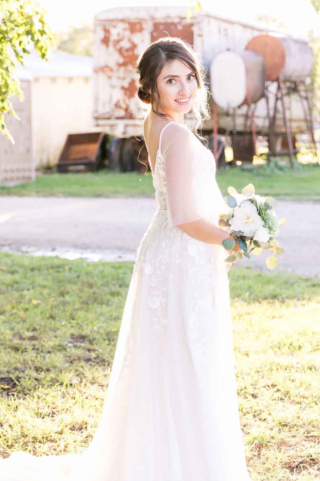 bride-at-barn-style-wedding