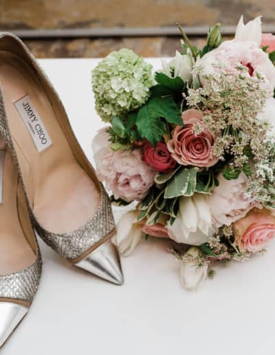 choosing-the-perfect-wedding-accessories-like-shoes-and-a-floral-bouquet