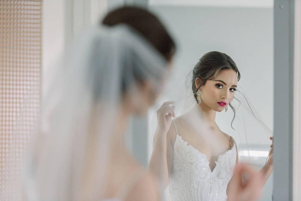 choosing-the-right-veil-for-dream-wedding-dress-in-kansas-city-wedding