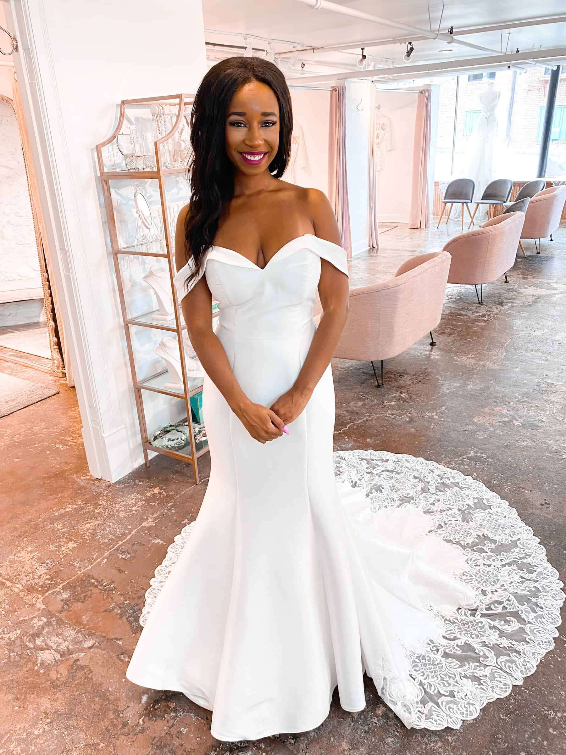 Fit and Flare -Lace- lace - straps - long train